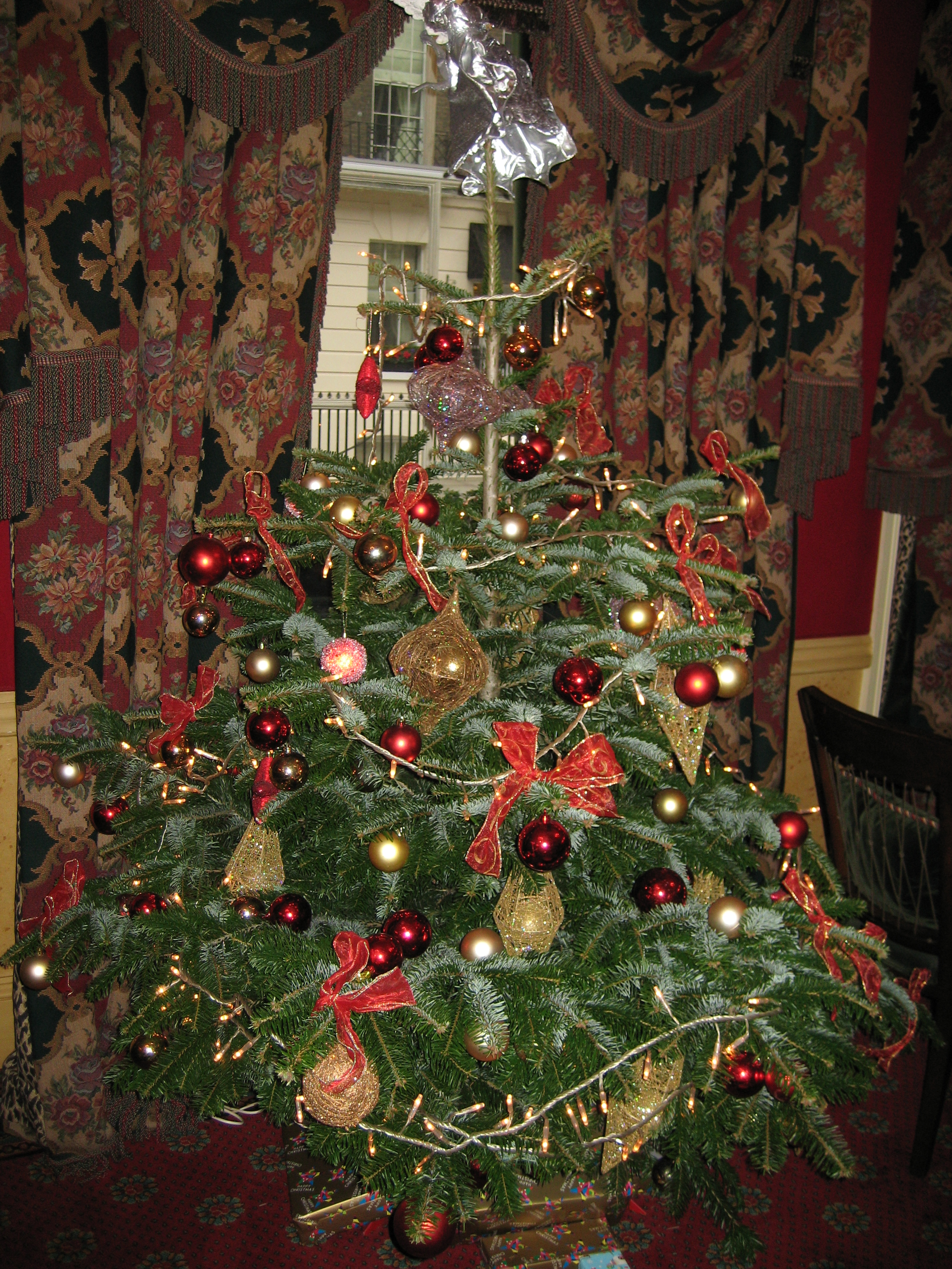 Weihnachtsbaum Engelshaar.Adventskalendertürchen 19 Radio Contact Ostbelgien Now